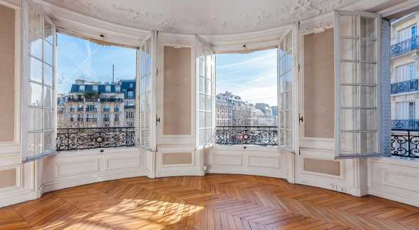 Use the expert eye of an architect / real estate professional before purchasing a new house or apartment in Lille.